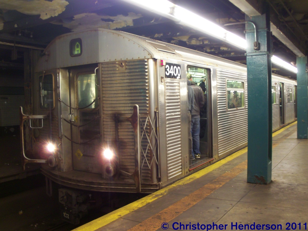 (238k, 1024x768)<br><b>Country:</b> United States<br><b>City:</b> New York<br><b>System:</b> New York City Transit<br><b>Line:</b> IND Fulton Street Line<br><b>Location:</b> Hoyt-Schermerhorn Street <br><b>Route:</b> A<br><b>Car:</b> R-32 (Budd, 1964)  3400 <br><b>Photo by:</b> Christopher Henderson<br><b>Date:</b> 11/19/2011<br><b>Viewed (this week/total):</b> 1 / 838