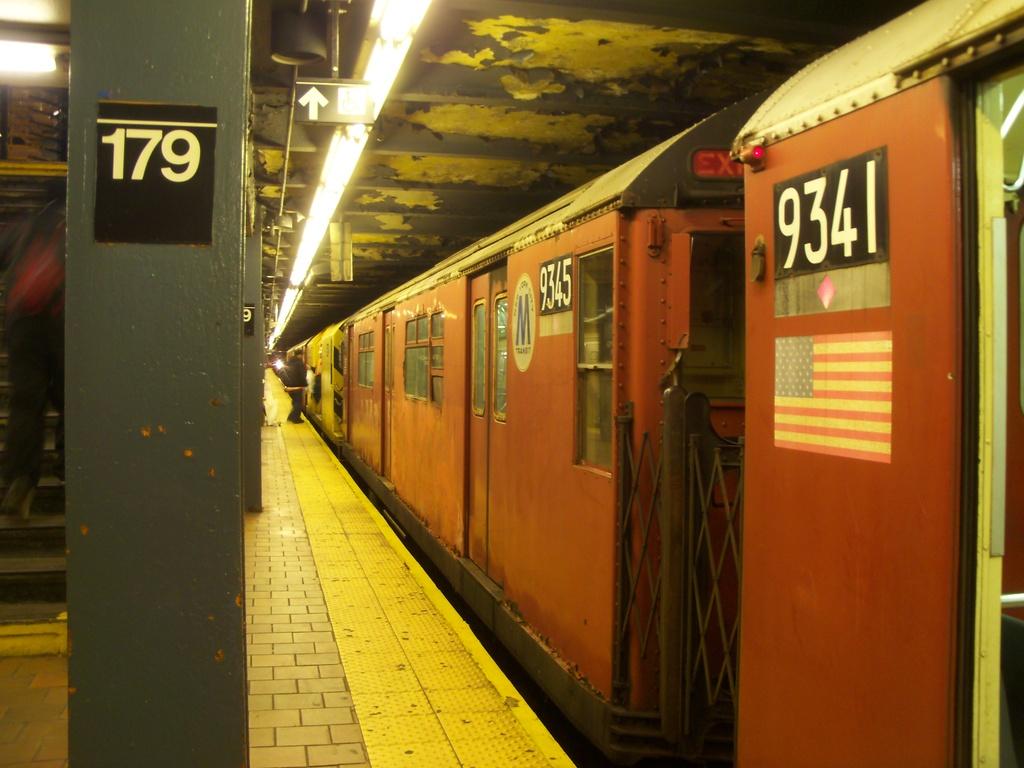 (288k, 1024x768)<br><b>Country:</b> United States<br><b>City:</b> New York<br><b>System:</b> New York City Transit<br><b>Line:</b> IND Queens Boulevard Line<br><b>Location:</b> 179th Street <br><b>Route:</b> Work Service<br><b>Car:</b> R-33 World's Fair (St. Louis, 1963-64) 9345 <br><b>Photo by:</b> Christopher Henderson<br><b>Date:</b> 1/20/2012<br><b>Viewed (this week/total):</b> 0 / 1176