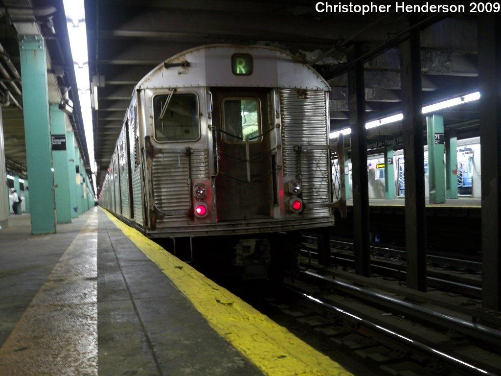 (178k, 1024x768)<br><b>Country:</b> United States<br><b>City:</b> New York<br><b>System:</b> New York City Transit<br><b>Line:</b> IND Queens Boulevard Line<br><b>Location:</b> 71st/Continental Aves./Forest Hills <br><b>Route:</b> R<br><b>Car:</b> R-32 (Budd, 1964)  3445 <br><b>Photo by:</b> Christopher Henderson<br><b>Date:</b> 9/6/2009<br><b>Viewed (this week/total):</b> 1 / 1051