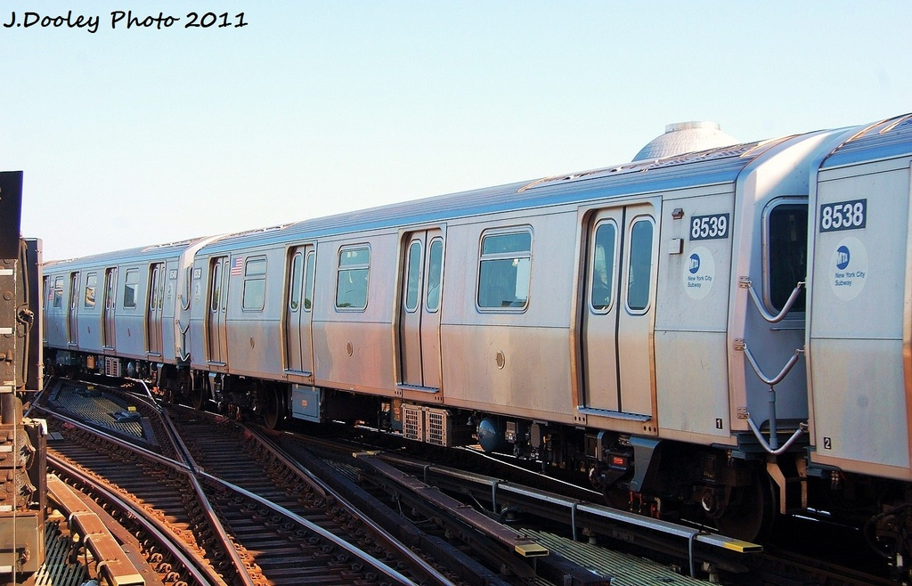 (305k, 1024x658)<br><b>Country:</b> United States<br><b>City:</b> New York<br><b>System:</b> New York City Transit<br><b>Line:</b> BMT Nassau Street/Jamaica Line<br><b>Location:</b> Myrtle Avenue <br><b>Route:</b> M<br><b>Car:</b> R-160A-1 (Alstom, 2005-2008, 4 car sets)  8539 <br><b>Photo by:</b> John Dooley<br><b>Date:</b> 8/17/2011<br><b>Viewed (this week/total):</b> 3 / 634