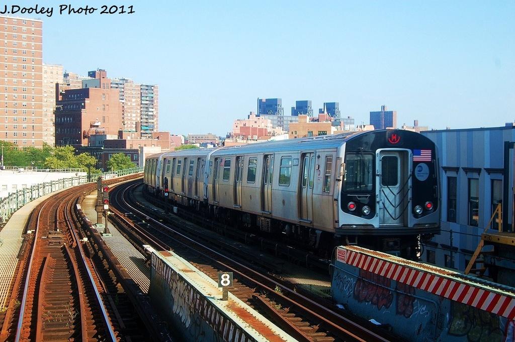 (360k, 1024x681)<br><b>Country:</b> United States<br><b>City:</b> New York<br><b>System:</b> New York City Transit<br><b>Line:</b> BMT Nassau Street/Jamaica Line<br><b>Location:</b> Hewes Street <br><b>Route:</b> M<br><b>Car:</b> R-160A-1 (Alstom, 2005-2008, 4 car sets)  8604 <br><b>Photo by:</b> John Dooley<br><b>Date:</b> 8/17/2011<br><b>Viewed (this week/total):</b> 0 / 696