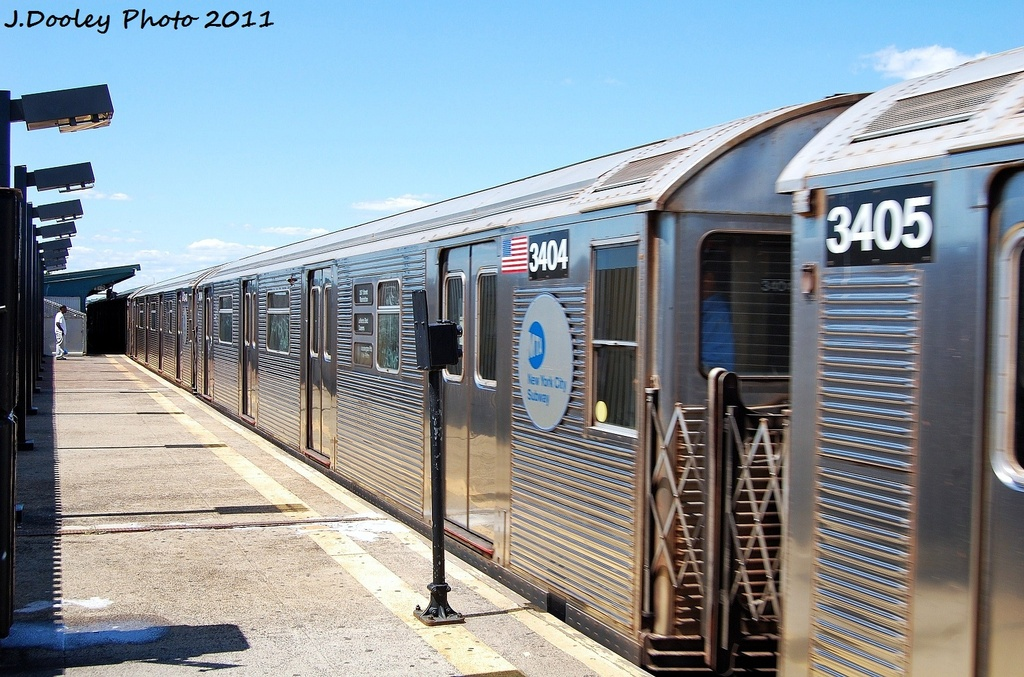(356k, 1024x677)<br><b>Country:</b> United States<br><b>City:</b> New York<br><b>System:</b> New York City Transit<br><b>Line:</b> IND Fulton Street Line<br><b>Location:</b> 88th Street/Boyd Avenue <br><b>Route:</b> A<br><b>Car:</b> R-32 (Budd, 1964)  3404 <br><b>Photo by:</b> John Dooley<br><b>Date:</b> 8/11/2011<br><b>Viewed (this week/total):</b> 0 / 772