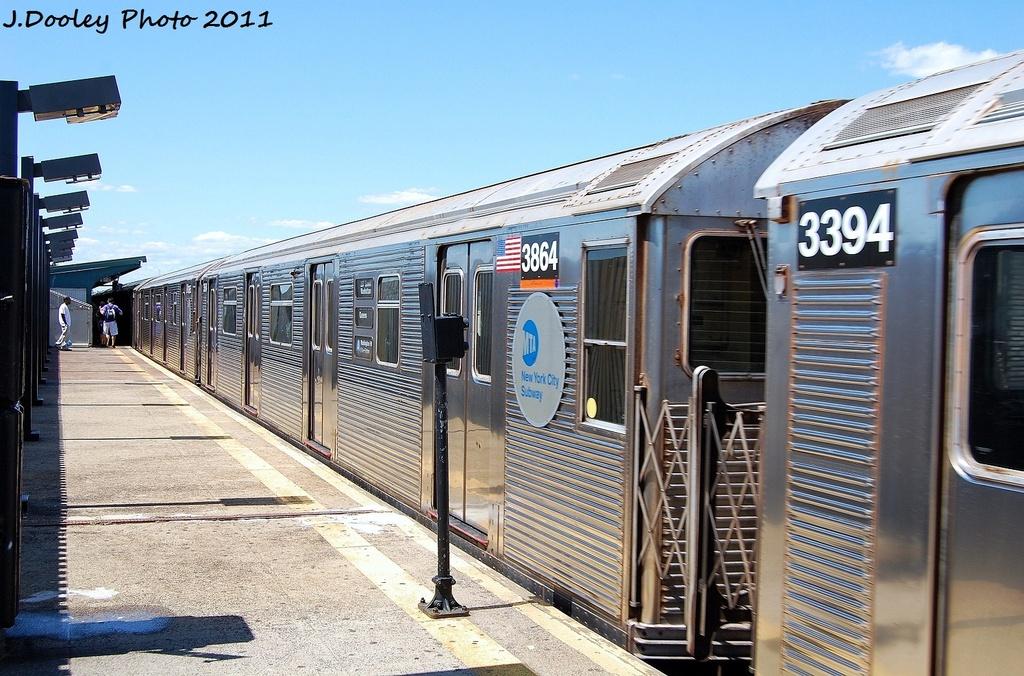 (365k, 1024x676)<br><b>Country:</b> United States<br><b>City:</b> New York<br><b>System:</b> New York City Transit<br><b>Line:</b> IND Fulton Street Line<br><b>Location:</b> 88th Street/Boyd Avenue <br><b>Route:</b> A<br><b>Car:</b> R-32 (Budd, 1964)  3864 <br><b>Photo by:</b> John Dooley<br><b>Date:</b> 8/11/2011<br><b>Viewed (this week/total):</b> 2 / 635