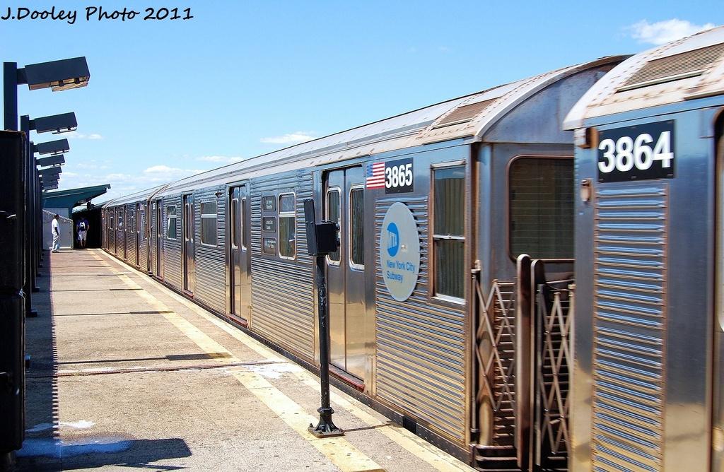 (363k, 1024x668)<br><b>Country:</b> United States<br><b>City:</b> New York<br><b>System:</b> New York City Transit<br><b>Line:</b> IND Fulton Street Line<br><b>Location:</b> 88th Street/Boyd Avenue <br><b>Route:</b> A<br><b>Car:</b> R-32 (Budd, 1964)  3865 <br><b>Photo by:</b> John Dooley<br><b>Date:</b> 8/11/2011<br><b>Viewed (this week/total):</b> 0 / 577