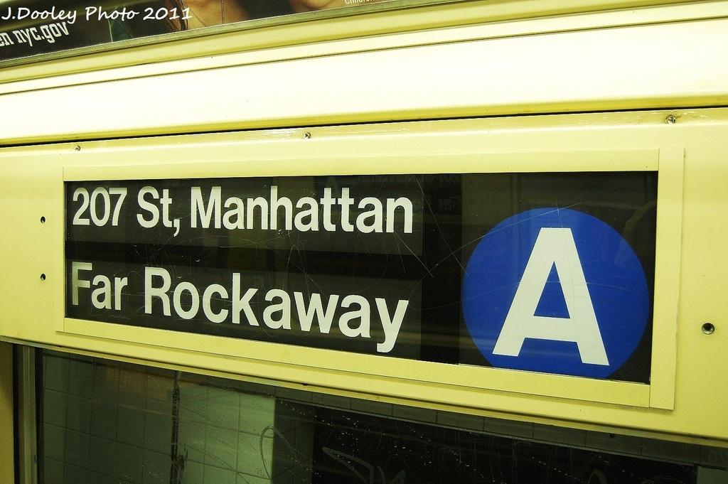 (292k, 1024x681)<br><b>Country:</b> United States<br><b>City:</b> New York<br><b>System:</b> New York City Transit<br><b>Car:</b> R-42 (St. Louis, 1969-1970)  Interior <br><b>Photo by:</b> John Dooley<br><b>Date:</b> 8/15/2011<br><b>Viewed (this week/total):</b> 0 / 1074