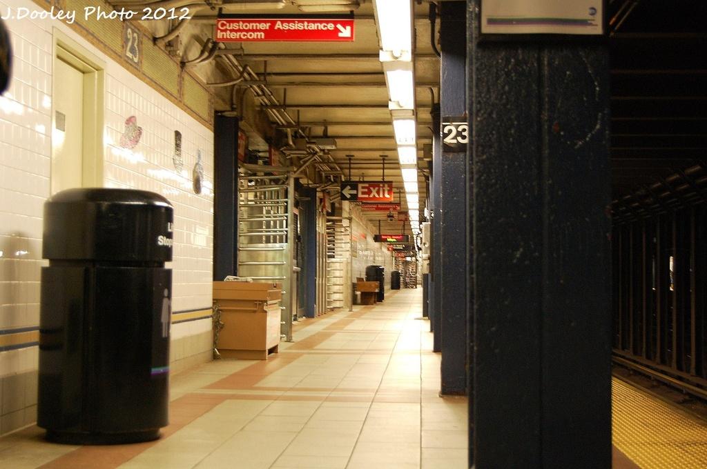 (297k, 1024x680)<br><b>Country:</b> United States<br><b>City:</b> New York<br><b>System:</b> New York City Transit<br><b>Line:</b> BMT Broadway Line<br><b>Location:</b> 23rd Street <br><b>Photo by:</b> John Dooley<br><b>Date:</b> 1/7/2012<br><b>Viewed (this week/total):</b> 1 / 644