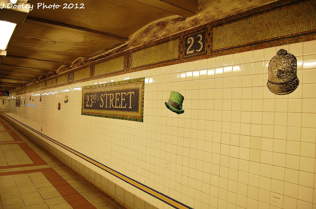 (368k, 1024x680)<br><b>Country:</b> United States<br><b>City:</b> New York<br><b>System:</b> New York City Transit<br><b>Line:</b> BMT Broadway Line<br><b>Location:</b> 23rd Street <br><b>Photo by:</b> John Dooley<br><b>Date:</b> 1/7/2012<br><b>Viewed (this week/total):</b> 0 / 778