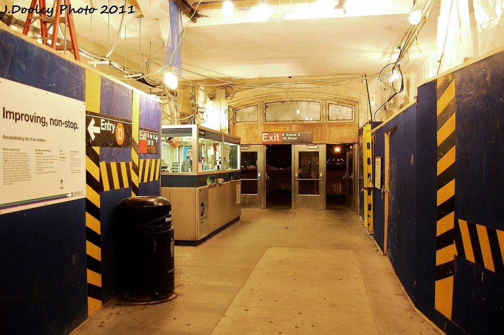 (331k, 1024x680)<br><b>Country:</b> United States<br><b>City:</b> New York<br><b>System:</b> New York City Transit<br><b>Line:</b> BMT West End Line<br><b>Location:</b> 9th Avenue <br><b>Photo by:</b> John Dooley<br><b>Date:</b> 11/30/2011<br><b>Viewed (this week/total):</b> 0 / 1064