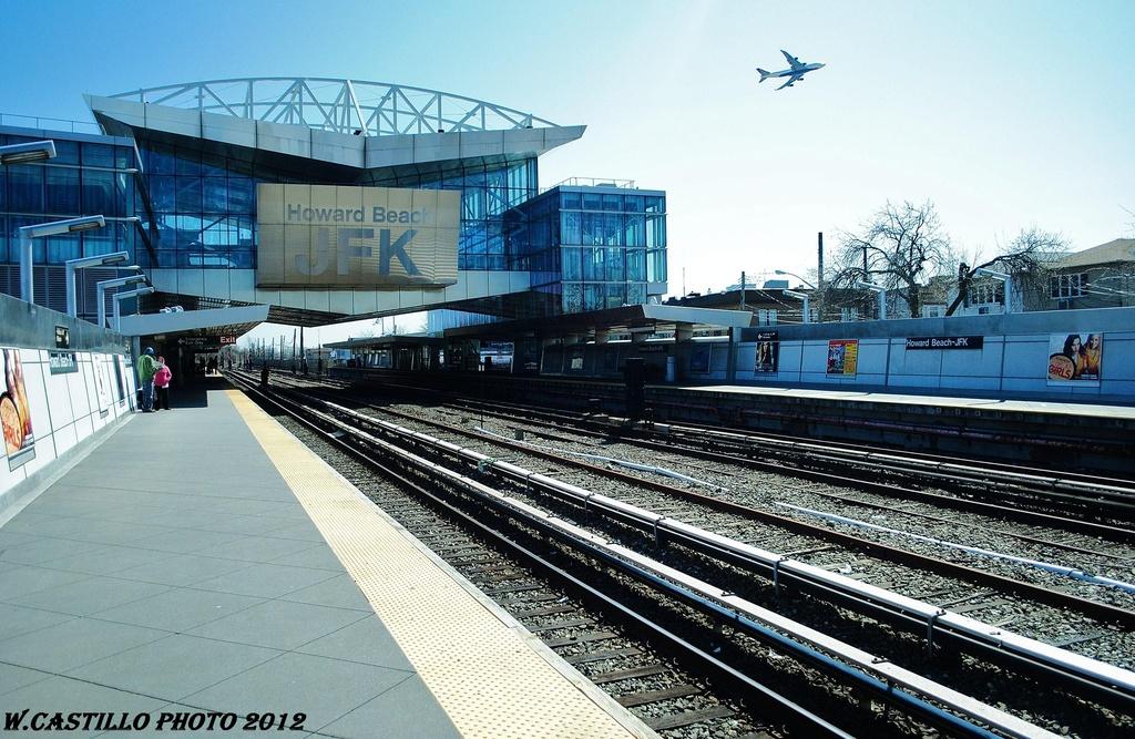 (364k, 1024x667)<br><b>Country:</b> United States<br><b>City:</b> New York<br><b>System:</b> New York City Transit<br><b>Line:</b> IND Rockaway<br><b>Location:</b> Howard Beach <br><b>Photo by:</b> Wilfredo Castillo<br><b>Date:</b> 3/27/2012<br><b>Viewed (this week/total):</b> 0 / 966