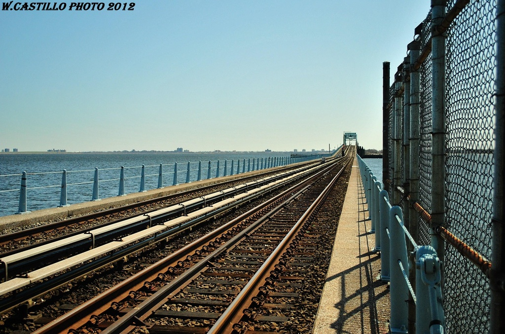 (387k, 1024x677)<br><b>Country:</b> United States<br><b>City:</b> New York<br><b>System:</b> New York City Transit<br><b>Line:</b> IND Rockaway<br><b>Location:</b> North Channel Bridge <br><b>Photo by:</b> Wilfredo Castillo<br><b>Date:</b> 3/27/2012<br><b>Viewed (this week/total):</b> 0 / 579
