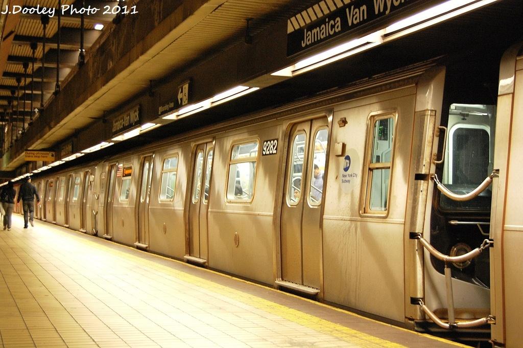 (360k, 1024x681)<br><b>Country:</b> United States<br><b>City:</b> New York<br><b>System:</b> New York City Transit<br><b>Line:</b> IND Queens Boulevard Line<br><b>Location:</b> Jamaica/Van Wyck <br><b>Route:</b> E<br><b>Car:</b> R-160A (Option 1) (Alstom, 2008-2009, 5 car sets)  9282 <br><b>Photo by:</b> John Dooley<br><b>Date:</b> 9/6/2011<br><b>Viewed (this week/total):</b> 2 / 1108