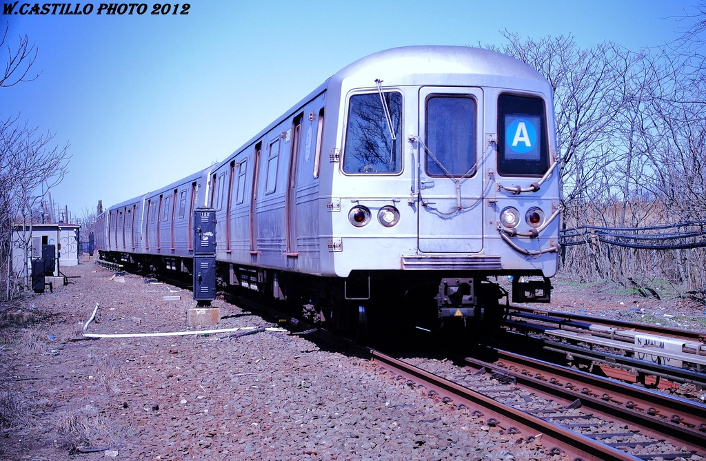 (409k, 1024x669)<br><b>Country:</b> United States<br><b>City:</b> New York<br><b>System:</b> New York City Transit<br><b>Line:</b> IND Rockaway<br><b>Location:</b> Howard Beach <br><b>Route:</b> A<br><b>Car:</b> R-46 (Pullman-Standard, 1974-75) 6006 <br><b>Photo by:</b> Wilfredo Castillo<br><b>Date:</b> 3/27/2012<br><b>Viewed (this week/total):</b> 2 / 997
