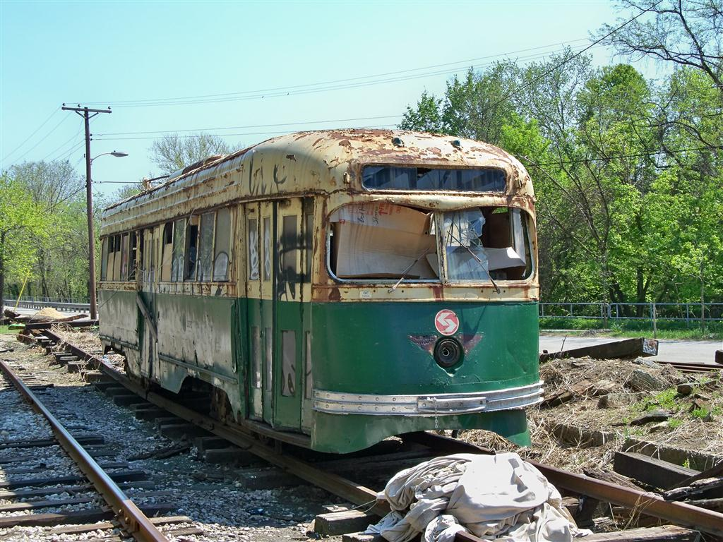 (208k, 1024x768)<br><b>Country:</b> United States<br><b>City:</b> Baltimore, MD<br><b>System:</b> Baltimore Streetcar Museum <br><b>Car:</b> PTC/SEPTA Wartime Air-car PCC (St.Louis, 1942)  2647 <br><b>Photo by:</b> Fran Rogers<br><b>Date:</b> 4/11/2010<br><b>Viewed (this week/total):</b> 0 / 844