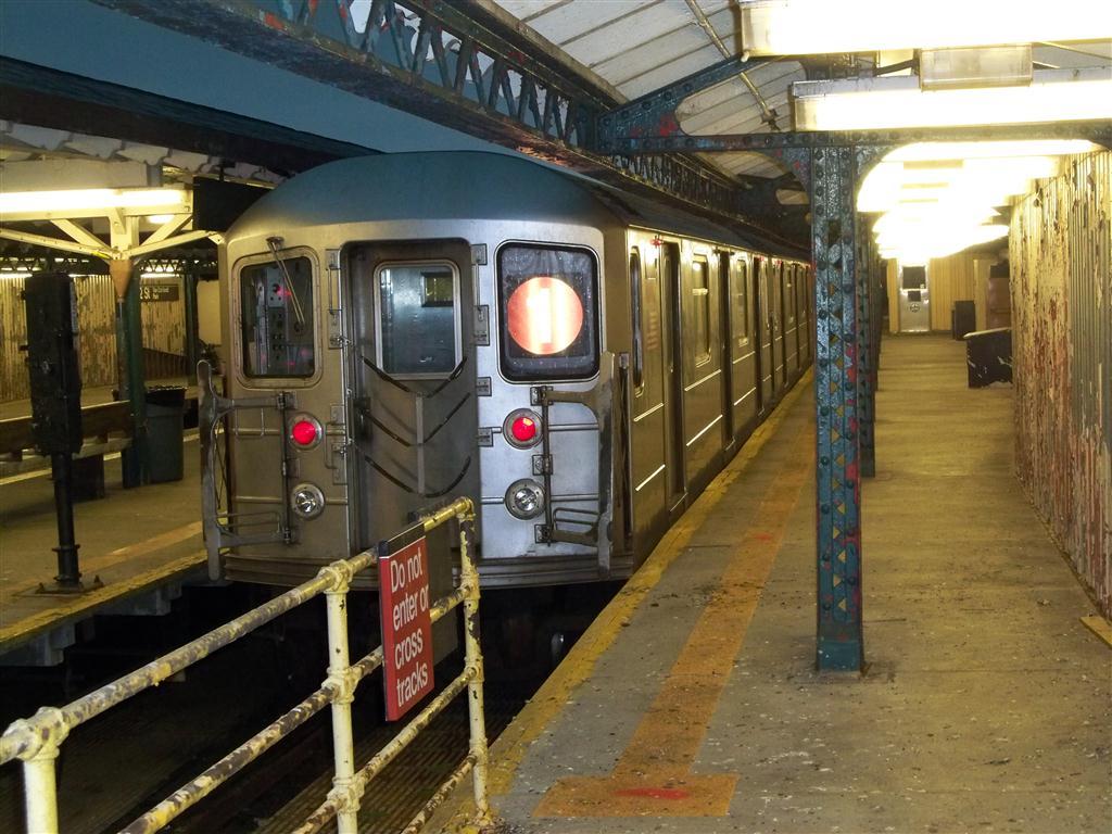 (149k, 1024x768)<br><b>Country:</b> United States<br><b>City:</b> New York<br><b>System:</b> New York City Transit<br><b>Line:</b> IRT West Side Line<br><b>Location:</b> 242nd Street/Van Cortlandt Park<br><b>Route:</b> 1<br><b>Car:</b> R-62A (Bombardier, 1984-1987)  <br><b>Photo by:</b> Fran Rogers<br><b>Date:</b> 9/16/2010<br><b>Viewed (this week/total):</b> 2 / 1833