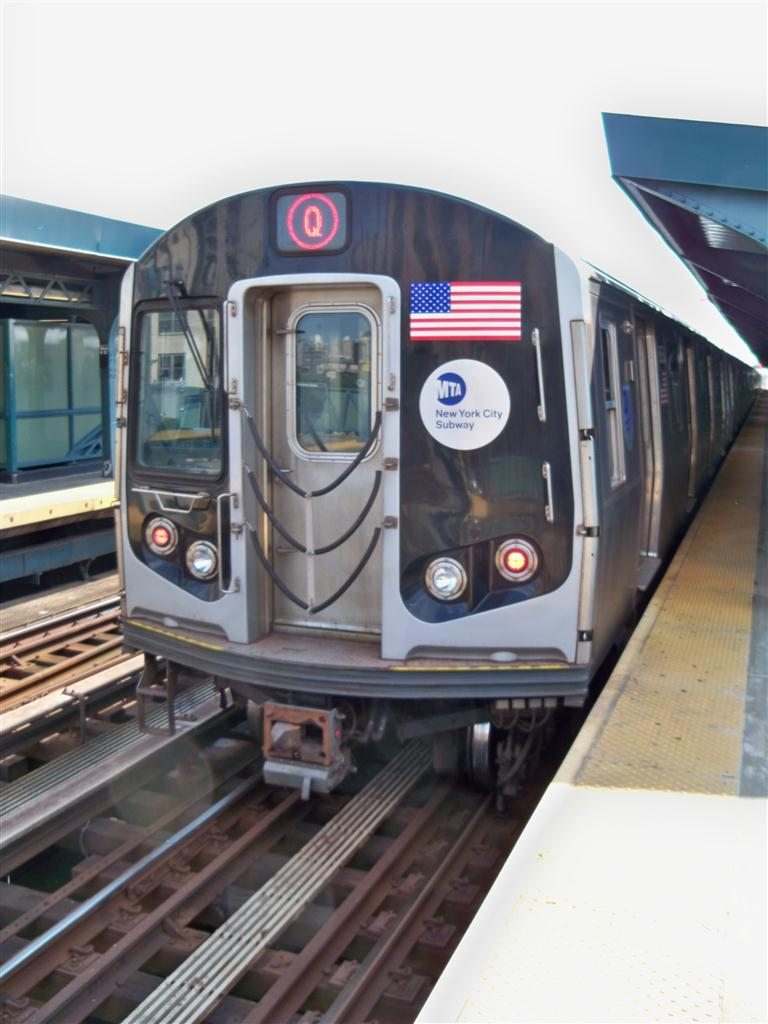 (107k, 768x1024)<br><b>Country:</b> United States<br><b>City:</b> New York<br><b>System:</b> New York City Transit<br><b>Line:</b> BMT Culver Line<br><b>Location:</b> West 8th Street <br><b>Route:</b> F<br><b>Car:</b> R-160A/R-160B Series (Number Unknown)  <br><b>Photo by:</b> Fran Rogers<br><b>Date:</b> 6/15/2011<br><b>Viewed (this week/total):</b> 0 / 1105