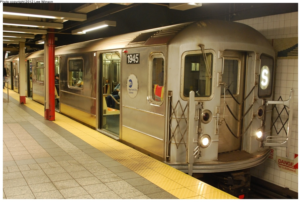 (285k, 1044x703)<br><b>Country:</b> United States<br><b>City:</b> New York<br><b>System:</b> New York City Transit<br><b>Line:</b> IRT Times Square-Grand Central Shuttle<br><b>Location:</b> Grand Central <br><b>Route:</b> S<br><b>Car:</b> R-62A (Bombardier, 1984-1987)  1945 <br><b>Photo by:</b> Lee Winson<br><b>Date:</b> 3/18/2012<br><b>Notes:</b> 42nd-Grand Central shuttle platform, #1945 (west end of train).<br><b>Viewed (this week/total):</b> 2 / 647