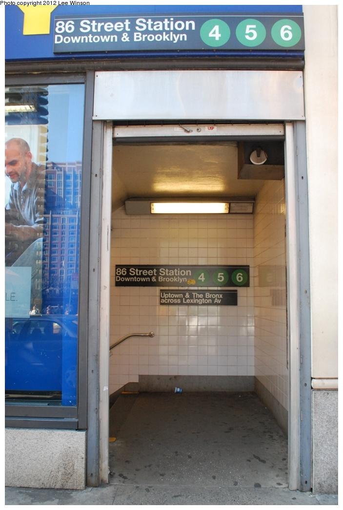 (255k, 703x1044)<br><b>Country:</b> United States<br><b>City:</b> New York<br><b>System:</b> New York City Transit<br><b>Line:</b> IRT East Side Line<br><b>Location:</b> 86th Street <br><b>Photo by:</b> Lee Winson<br><b>Date:</b> 3/18/2012<br><b>Notes:</b> IRT Lexington Ave, 86th Street downtown, street entrance.<br><b>Viewed (this week/total):</b> 0 / 1303
