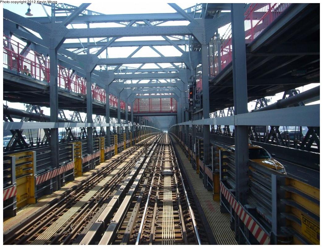 (350k, 1044x804)<br><b>Country:</b> United States<br><b>City:</b> New York<br><b>System:</b> New York City Transit<br><b>Line:</b> BMT Nassau Street/Jamaica Line<br><b>Location:</b> Williamsburg Bridge<br><b>Photo by:</b> Kevin Wong<br><b>Date:</b> 8/13/2007<br><b>Viewed (this week/total):</b> 1 / 713