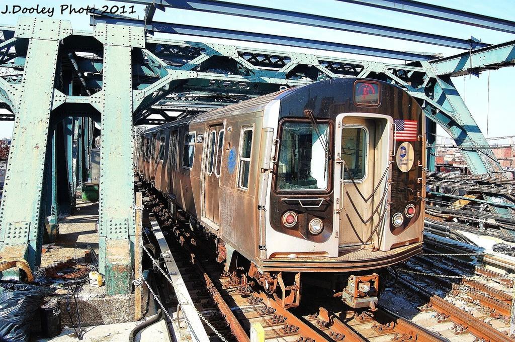 (514k, 1024x681)<br><b>Country:</b> United States<br><b>City:</b> New York<br><b>System:</b> New York City Transit<br><b>Line:</b> IND Crosstown Line<br><b>Location:</b> 4th Avenue <br><b>Route:</b> F<br><b>Car:</b> R-160A (Option 2) (Alstom, 2009, 5-car sets)  9687 <br><b>Photo by:</b> John Dooley<br><b>Date:</b> 11/14/2011<br><b>Viewed (this week/total):</b> 1 / 974