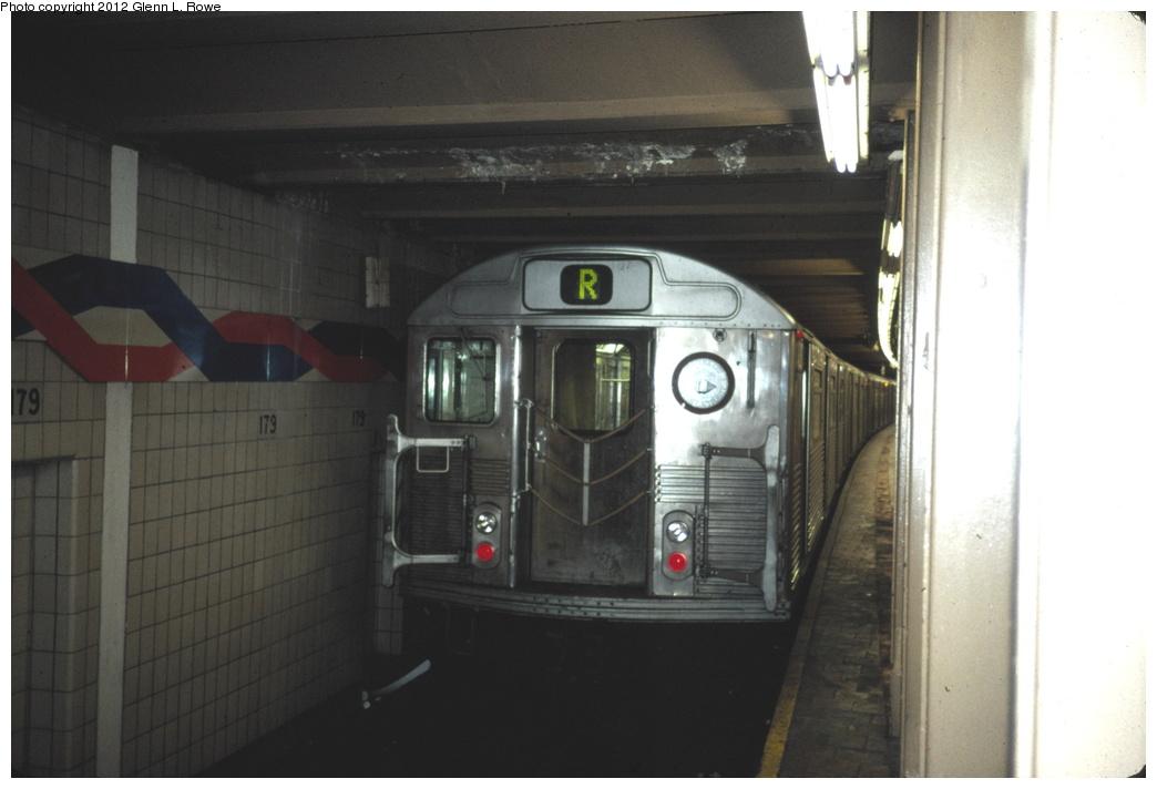 (189k, 1044x712)<br><b>Country:</b> United States<br><b>City:</b> New York<br><b>System:</b> New York City Transit<br><b>Line:</b> IND Queens Boulevard Line<br><b>Location:</b> 179th Street <br><b>Route:</b> R<br><b>Car:</b> R-38 (St. Louis, 1966-1967)   <br><b>Photo by:</b> Glenn L. Rowe<br><b>Date:</b> 3/1989<br><b>Viewed (this week/total):</b> 3 / 2294