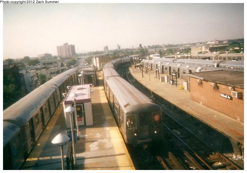(229k, 820x576)<br><b>Country:</b> United States<br><b>City:</b> New York<br><b>System:</b> New York City Transit<br><b>Location:</b> Coney Island/Stillwell Avenue<br><b>Route:</b> B<br><b>Car:</b> R-68A (Kawasaki, 1988-1989)   <br><b>Photo by:</b> Zach Summer<br><b>Date:</b> 7/21/2001<br><b>Notes:</b> Last day of 6th Ave/West End B service; Manhattan Bridge closure takes place the next day.<br><b>Viewed (this week/total):</b> 1 / 1314