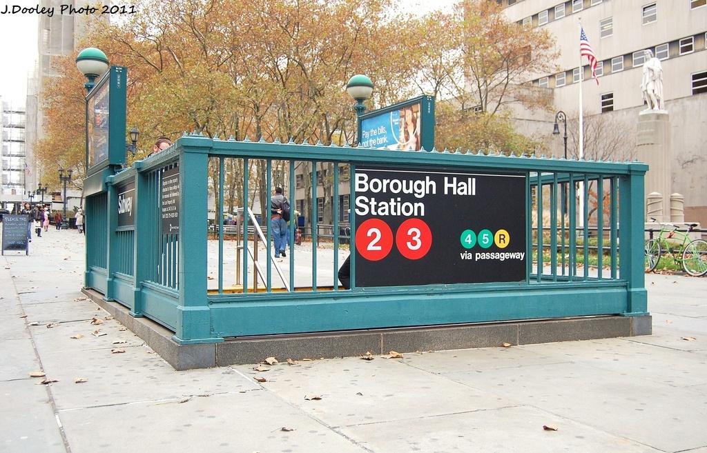 (380k, 1024x657)<br><b>Country:</b> United States<br><b>City:</b> New York<br><b>System:</b> New York City Transit<br><b>Line:</b> IRT Brooklyn Line<br><b>Location:</b> Borough Hall (West Side Branch) <br><b>Photo by:</b> John Dooley<br><b>Date:</b> 11/17/2011<br><b>Notes:</b> Station entrance.<br><b>Viewed (this week/total):</b> 2 / 1342