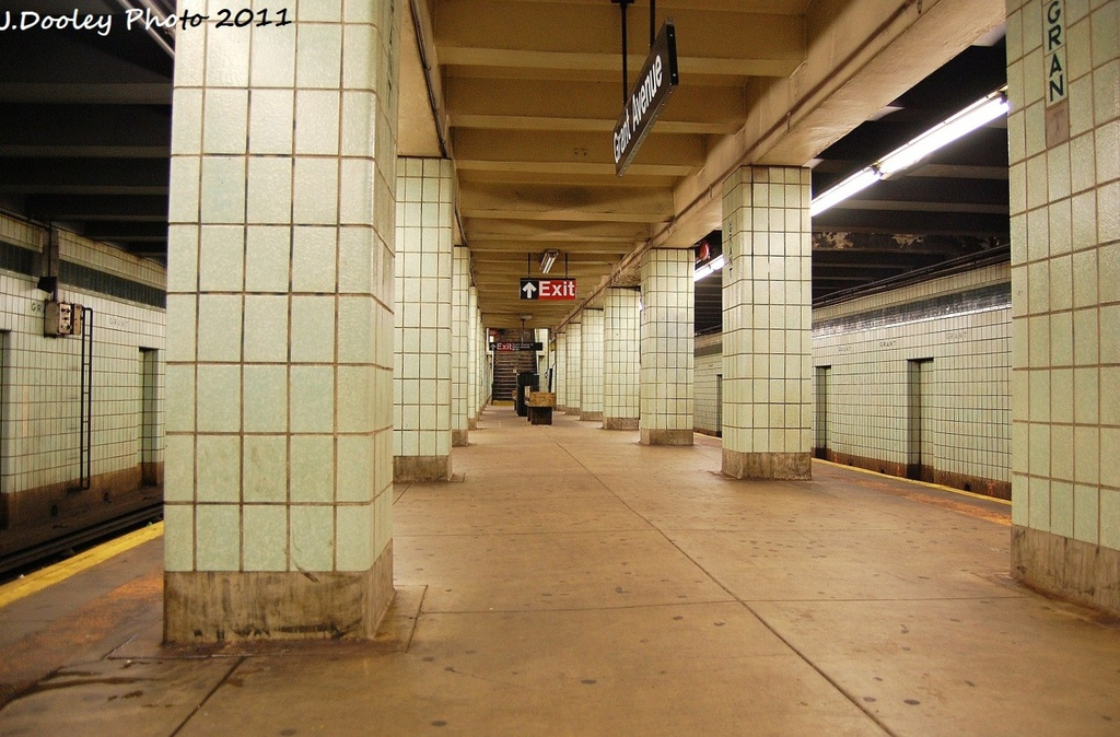 (329k, 1024x674)<br><b>Country:</b> United States<br><b>City:</b> New York<br><b>System:</b> New York City Transit<br><b>Line:</b> IND Fulton Street Line<br><b>Location:</b> Grant Avenue <br><b>Photo by:</b> John Dooley<br><b>Date:</b> 11/25/2011<br><b>Notes:</b> Platform view.<br><b>Viewed (this week/total):</b> 1 / 1076