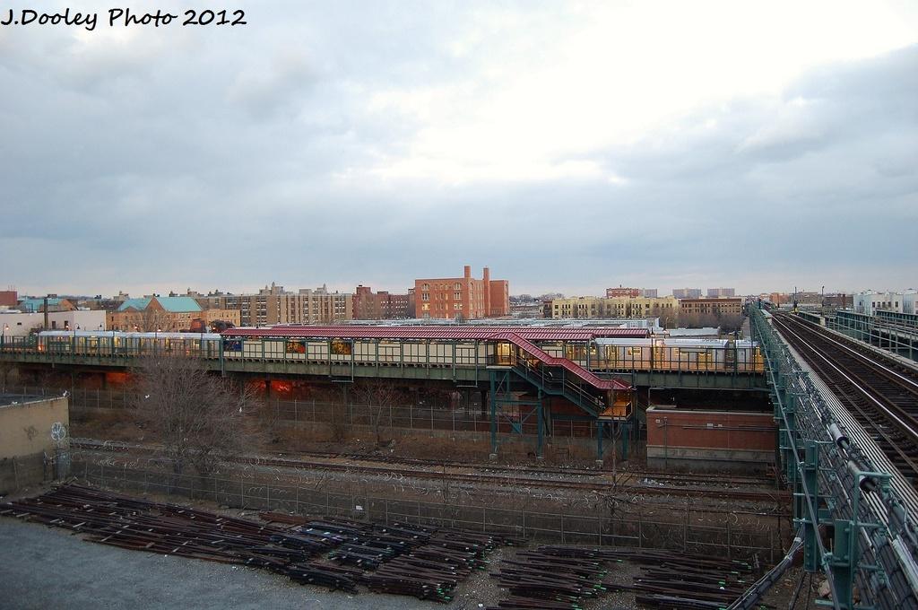 (302k, 1024x680)<br><b>Country:</b> United States<br><b>City:</b> New York<br><b>System:</b> New York City Transit<br><b>Line:</b> BMT Canarsie Line<br><b>Location:</b> Livonia Avenue <br><b>Photo by:</b> John Dooley<br><b>Date:</b> 1/14/2012<br><b>Notes:</b> View from Junius Street.<br><b>Viewed (this week/total):</b> 7 / 1346