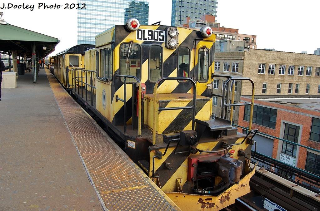 (405k, 1024x676)<br><b>Country:</b> United States<br><b>City:</b> New York<br><b>System:</b> New York City Transit<br><b>Line:</b> IRT Flushing Line<br><b>Location:</b> Queensborough Plaza <br><b>Route:</b> Work Service<br><b>Car:</b> R-120 Locomotive  905 <br><b>Photo by:</b> John Dooley<br><b>Date:</b> 1/29/2012<br><b>Viewed (this week/total):</b> 0 / 804