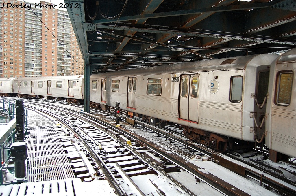 (426k, 1024x680)<br><b>Country:</b> United States<br><b>City:</b> New York<br><b>System:</b> New York City Transit<br><b>Line:</b> BMT Culver Line<br><b>Location:</b> West 8th Street <br><b>Route:</b> F<br><b>Car:</b> R-46 (Pullman-Standard, 1974-75) 5570 <br><b>Photo by:</b> John Dooley<br><b>Date:</b> 1/21/2012<br><b>Viewed (this week/total):</b> 0 / 1504