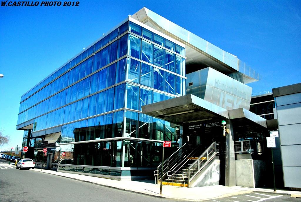 (331k, 1024x687)<br><b>Country:</b> United States<br><b>City:</b> New York<br><b>System:</b> New York City Transit<br><b>Line:</b> IND Rockaway<br><b>Location:</b> Howard Beach <br><b>Photo by:</b> Wilfredo Castillo<br><b>Date:</b> 3/26/2012<br><b>Viewed (this week/total):</b> 4 / 1199
