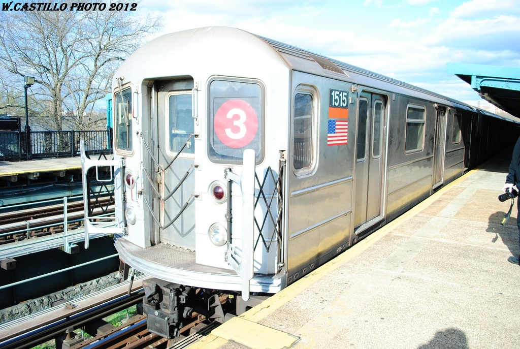 (346k, 1024x687)<br><b>Country:</b> United States<br><b>City:</b> New York<br><b>System:</b> New York City Transit<br><b>Line:</b> IRT Brooklyn Line<br><b>Location:</b> Saratoga Avenue<br><b>Route:</b> 3<br><b>Car:</b> R-62 (Kawasaki, 1983-1985) 1515 <br><b>Photo by:</b> Wilfredo Castillo<br><b>Date:</b> 3/29/2012<br><b>Viewed (this week/total):</b> 0 / 1327