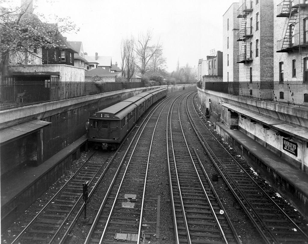 (380k, 1024x811)<br><b>Country:</b> United States<br><b>City:</b> New York<br><b>System:</b> New York City Transit<br><b>Line:</b> BMT Brighton Line<br><b>Location:</b> Beverley Road <br><b>Car:</b> BMT D-Type Triplex 6033 <br><b>Photo by:</b> Ed Watson/Arthur Lonto Collection<br><b>Collection of:</b> Frank Pfuhler<br><b>Date:</b> 1946<br><b>Viewed (this week/total):</b> 3 / 1216