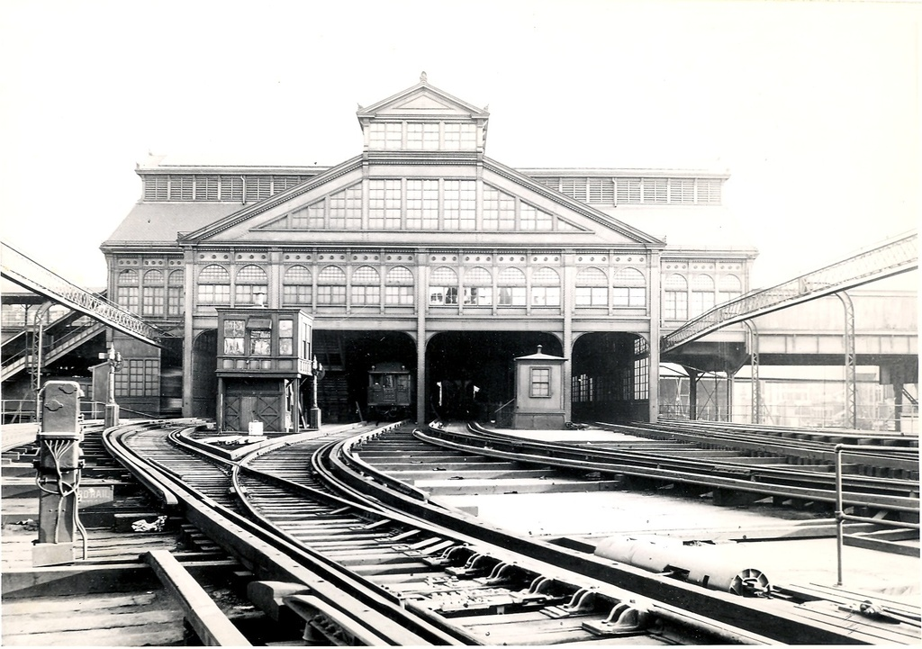 (281k, 1024x721)<br><b>Country:</b> United States<br><b>City:</b> New York<br><b>System:</b> New York City Transit<br><b>Line:</b> BMT Fulton<br><b>Location:</b> Brooklyn Bridge <br><b>Photo by:</b> Ed Watson/Arthur Lonto Collection<br><b>Collection of:</b> Frank Pfuhler<br><b>Date:</b> 1915<br><b>Viewed (this week/total):</b> 0 / 998
