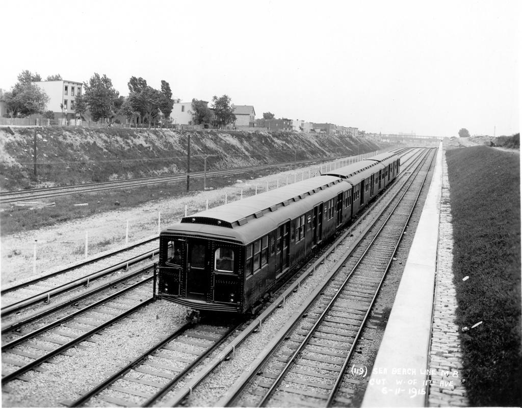 (316k, 1024x800)<br><b>Country:</b> United States<br><b>City:</b> New York<br><b>System:</b> New York City Transit<br><b>Line:</b> BMT Sea Beach Line<br><b>Location:</b> Fort Hamilton Parkway <br><b>Car:</b> BMT A/B-Type Standard 2037 <br><b>Photo by:</b> Ed Watson/Arthur Lonto Collection<br><b>Collection of:</b> Frank Pfuhler<br><b>Date:</b> 6/11/1915<br><b>Viewed (this week/total):</b> 3 / 1538