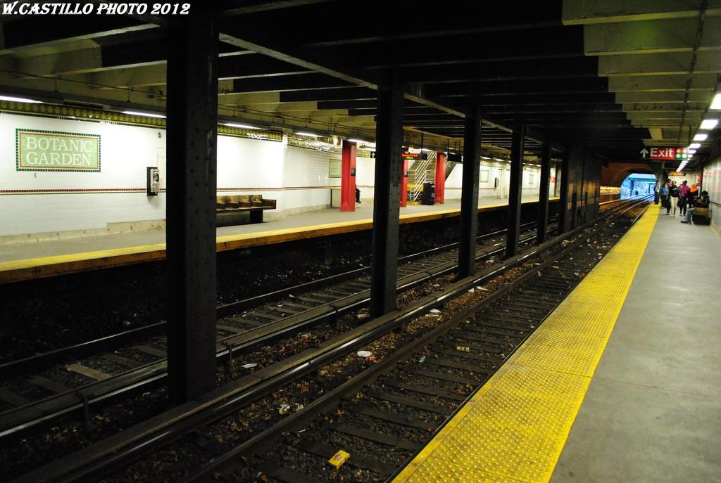 (294k, 1024x687)<br><b>Country:</b> United States<br><b>City:</b> New York<br><b>System:</b> New York City Transit<br><b>Line:</b> BMT Franklin<br><b>Location:</b> Botanic Garden <br><b>Photo by:</b> Wilfredo Castillo<br><b>Date:</b> 3/29/2012<br><b>Viewed (this week/total):</b> 3 / 1127