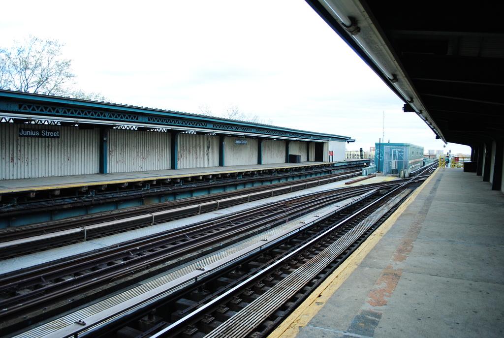 (362k, 1024x687)<br><b>Country:</b> United States<br><b>City:</b> New York<br><b>System:</b> New York City Transit<br><b>Line:</b> IRT Brooklyn Line<br><b>Location:</b> Junius Street <br><b>Photo by:</b> Wilfredo Castillo<br><b>Date:</b> 3/29/2012<br><b>Viewed (this week/total):</b> 0 / 860