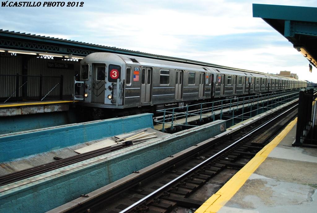 (299k, 1024x687)<br><b>Country:</b> United States<br><b>City:</b> New York<br><b>System:</b> New York City Transit<br><b>Line:</b> IRT Brooklyn Line<br><b>Location:</b> Van Siclen Avenue <br><b>Route:</b> 3<br><b>Car:</b> R-62 (Kawasaki, 1983-1985)  1375 <br><b>Photo by:</b> Wilfredo Castillo<br><b>Date:</b> 3/29/2012<br><b>Viewed (this week/total):</b> 0 / 1132