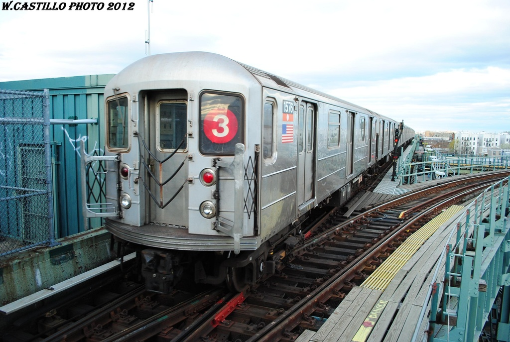 (306k, 1024x687)<br><b>Country:</b> United States<br><b>City:</b> New York<br><b>System:</b> New York City Transit<br><b>Line:</b> IRT Brooklyn Line<br><b>Location:</b> Junius Street <br><b>Route:</b> 3<br><b>Car:</b> R-62 (Kawasaki, 1983-1985)  1576 <br><b>Photo by:</b> Wilfredo Castillo<br><b>Date:</b> 3/29/2012<br><b>Viewed (this week/total):</b> 0 / 1183