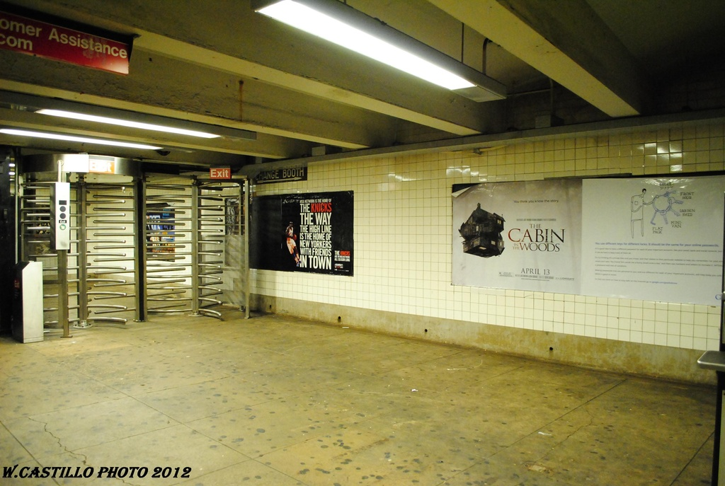 (284k, 1024x687)<br><b>Country:</b> United States<br><b>City:</b> New York<br><b>System:</b> New York City Transit<br><b>Line:</b> IND Concourse Line<br><b>Location:</b> Fordham Road <br><b>Photo by:</b> Wilfredo Castillo<br><b>Date:</b> 3/31/2012<br><b>Viewed (this week/total):</b> 3 / 842