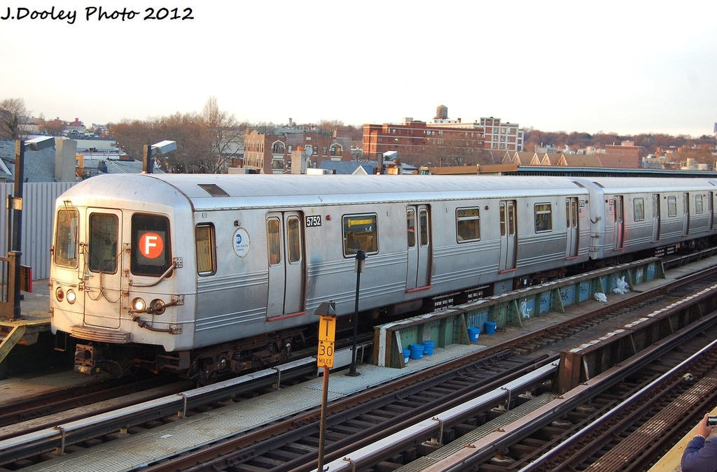 (315k, 1024x675)<br><b>Country:</b> United States<br><b>City:</b> New York<br><b>System:</b> New York City Transit<br><b>Line:</b> BMT Culver Line<br><b>Location:</b> Ditmas Avenue <br><b>Route:</b> F<br><b>Car:</b> R-46 (Pullman-Standard, 1974-75) 5752 <br><b>Photo by:</b> John Dooley<br><b>Date:</b> 1/20/2012<br><b>Viewed (this week/total):</b> 0 / 975