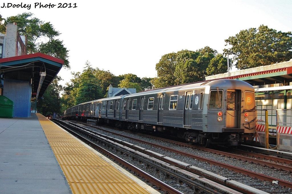 (389k, 1024x681)<br><b>Country:</b> United States<br><b>City:</b> New York<br><b>System:</b> New York City Transit<br><b>Line:</b> BMT Brighton Line<br><b>Location:</b> Avenue H <br><b>Route:</b> B<br><b>Car:</b> R-68A (Kawasaki, 1988-1989)  5134 <br><b>Photo by:</b> John Dooley<br><b>Date:</b> 8/10/2011<br><b>Viewed (this week/total):</b> 1 / 904