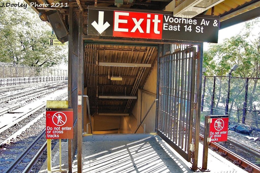 (513k, 1024x681)<br><b>Country:</b> United States<br><b>City:</b> New York<br><b>System:</b> New York City Transit<br><b>Line:</b> BMT Brighton Line<br><b>Location:</b> Sheepshead Bay <br><b>Photo by:</b> John Dooley<br><b>Date:</b> 9/12/2011<br><b>Viewed (this week/total):</b> 1 / 951