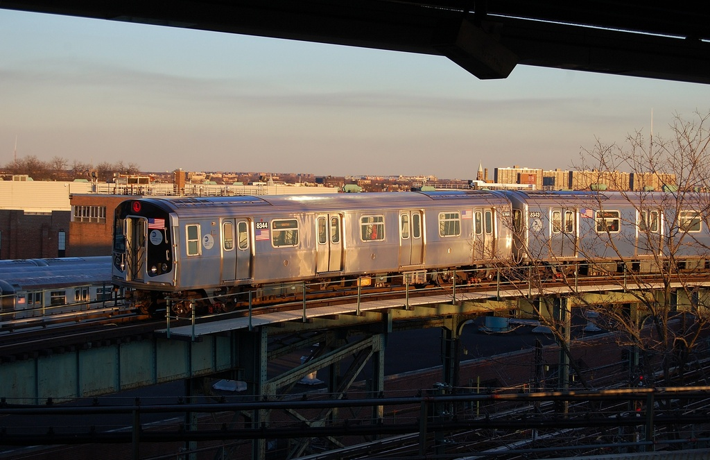 (298k, 1024x663)<br><b>Country:</b> United States<br><b>City:</b> New York<br><b>System:</b> New York City Transit<br><b>Line:</b> BMT Nassau Street/Jamaica Line<br><b>Location:</b> Broadway/East New York (Broadway Junction) <br><b>Route:</b> L<br><b>Car:</b> R-160A-1 (Alstom, 2005-2008, 4 car sets)  8344 <br><b>Photo by:</b> John Dooley<br><b>Date:</b> 1/15/2012<br><b>Notes:</b> Entering Bway Jct.-Jamaica platform.<br><b>Viewed (this week/total):</b> 1 / 866