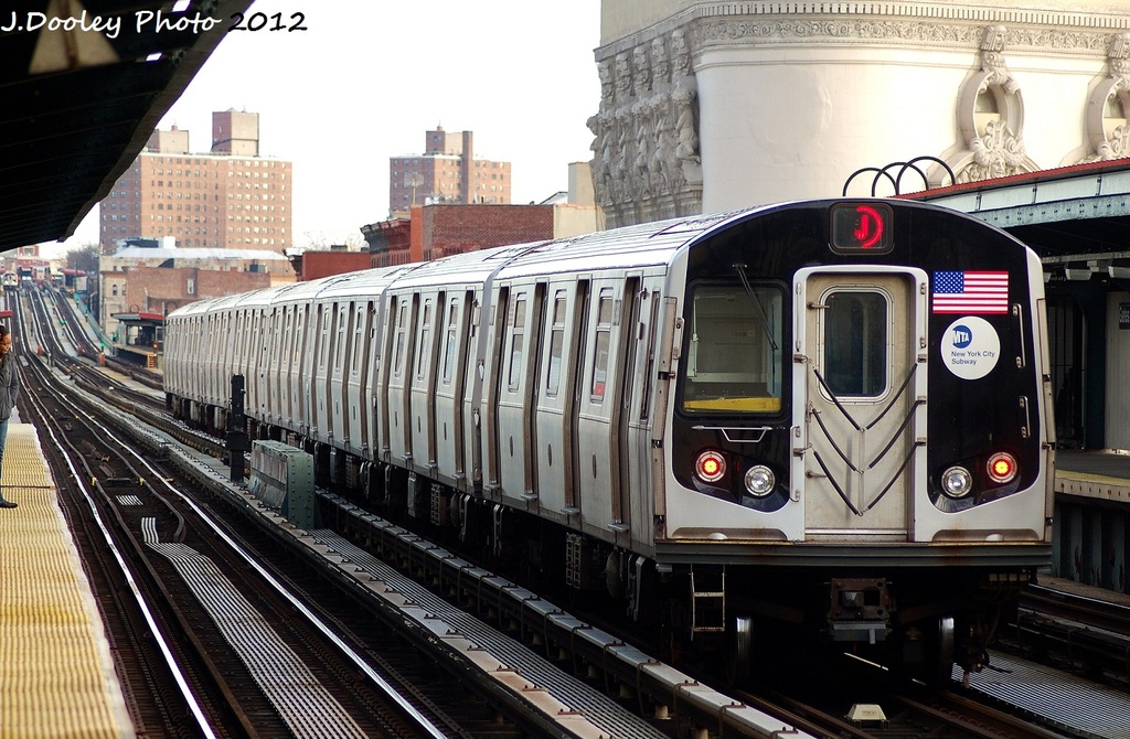 (356k, 1024x670)<br><b>Country:</b> United States<br><b>City:</b> New York<br><b>System:</b> New York City Transit<br><b>Line:</b> BMT Nassau Street/Jamaica Line<br><b>Location:</b> Gates Avenue <br><b>Route:</b> J<br><b>Car:</b> R-160A-1 (Alstom, 2005-2008, 4 car sets)  8397 <br><b>Photo by:</b> John Dooley<br><b>Date:</b> 1/28/2012<br><b>Viewed (this week/total):</b> 1 / 838