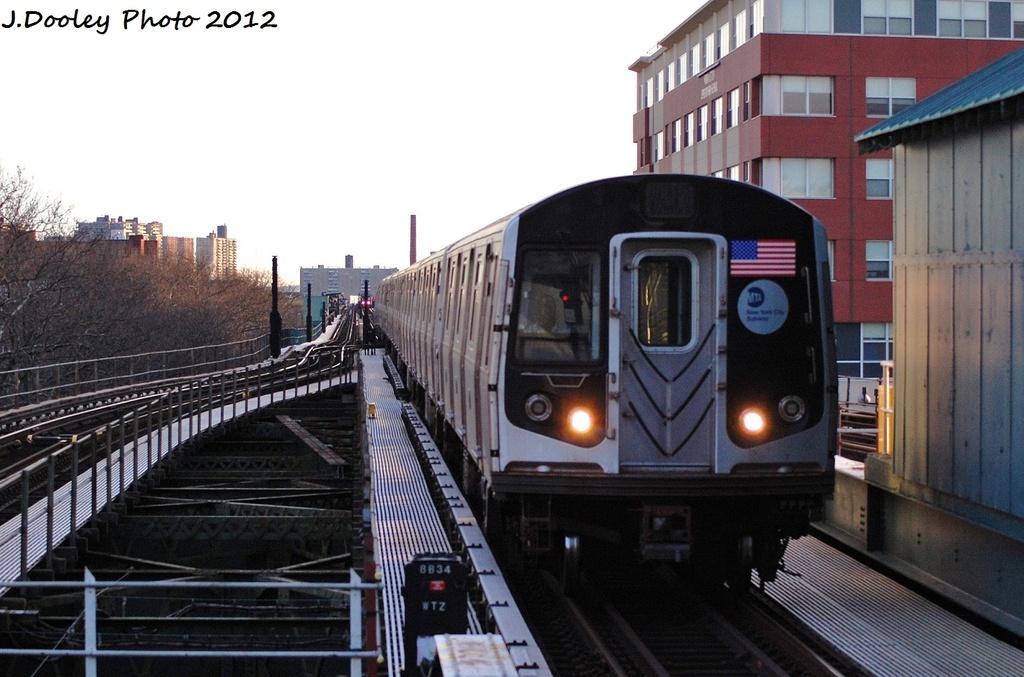 (301k, 1024x677)<br><b>Country:</b> United States<br><b>City:</b> New York<br><b>System:</b> New York City Transit<br><b>Line:</b> BMT Culver Line<br><b>Location:</b> Kings Highway <br><b>Route:</b> F<br><b>Car:</b> R-160A (Option 2) (Alstom, 2009, 5-car sets)  9722 <br><b>Photo by:</b> John Dooley<br><b>Date:</b> 1/20/2012<br><b>Viewed (this week/total):</b> 0 / 689