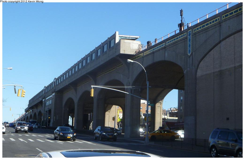 (268k, 1044x683)<br><b>Country:</b> United States<br><b>City:</b> New York<br><b>System:</b> New York City Transit<br><b>Line:</b> IRT Flushing Line<br><b>Location:</b> 40th Street/Lowery Street <br><b>Photo by:</b> Kevin Wong<br><b>Date:</b> 4/7/2012<br><b>Viewed (this week/total):</b> 0 / 970