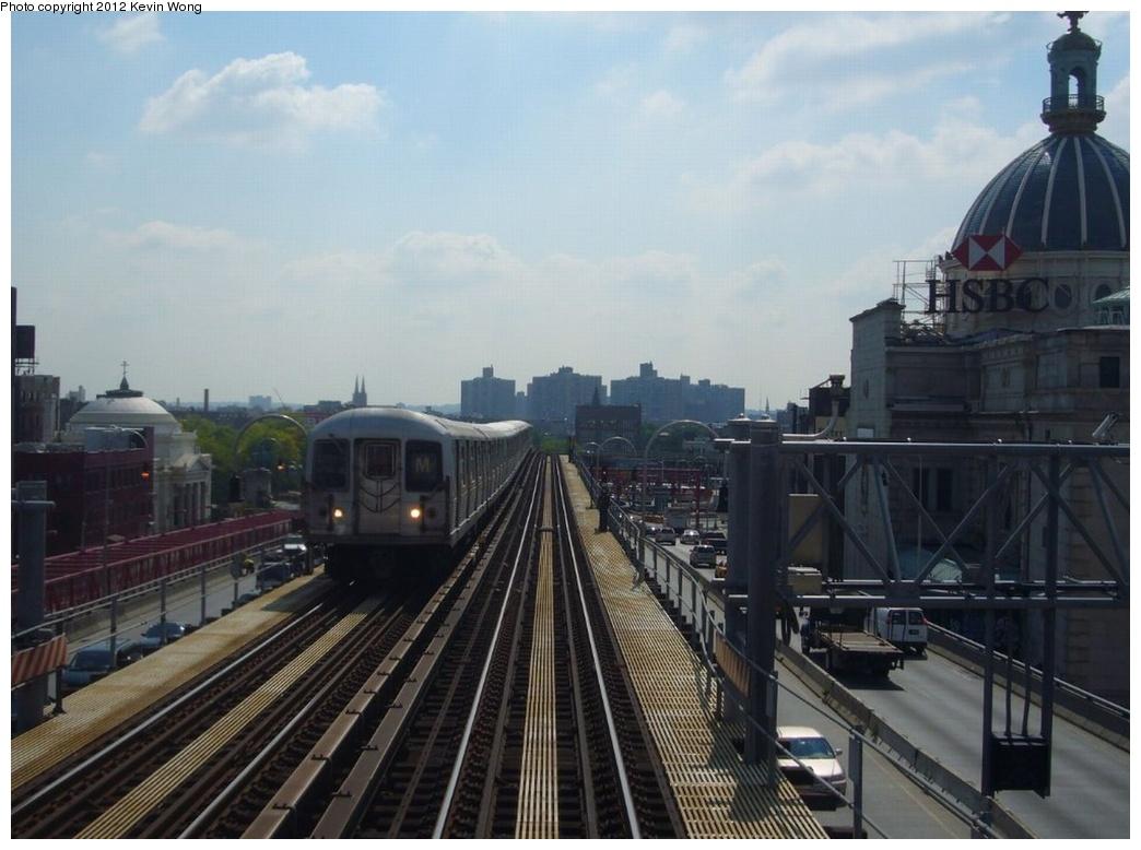 (234k, 1044x778)<br><b>Country:</b> United States<br><b>City:</b> New York<br><b>System:</b> New York City Transit<br><b>Line:</b> BMT Nassau Street/Jamaica Line<br><b>Location:</b> Williamsburg Bridge<br><b>Route:</b> M<br><b>Car:</b> R-42 (St. Louis, 1969-1970)   <br><b>Photo by:</b> Kevin Wong<br><b>Date:</b> 8/13/2007<br><b>Viewed (this week/total):</b> 1 / 726