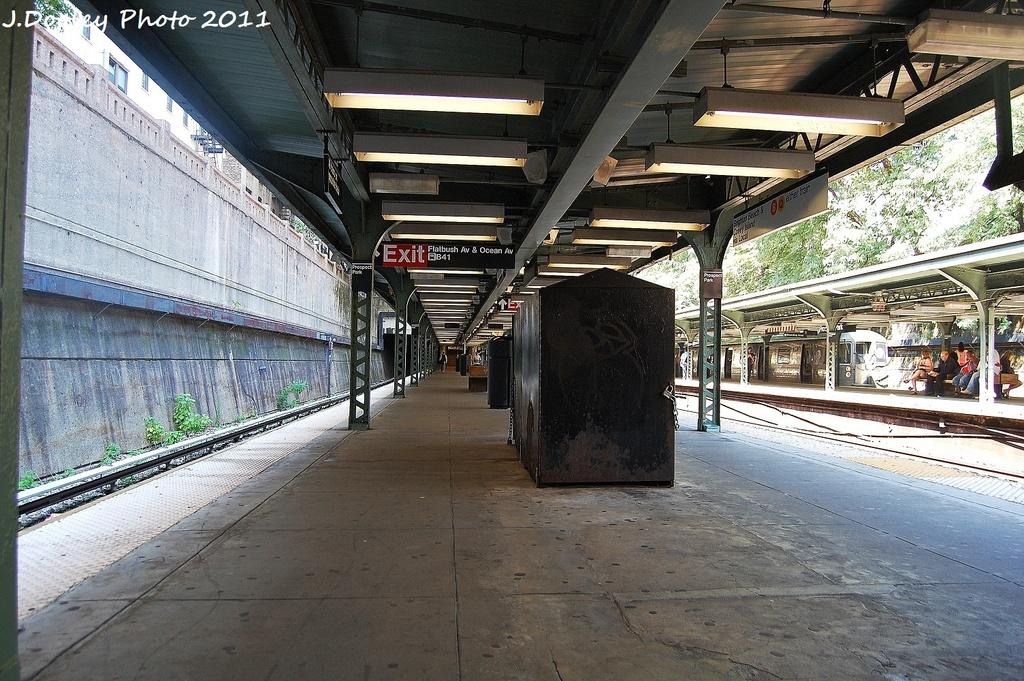 (405k, 1024x681)<br><b>Country:</b> United States<br><b>City:</b> New York<br><b>System:</b> New York City Transit<br><b>Line:</b> BMT Franklin<br><b>Location:</b> Prospect Park <br><b>Photo by:</b> John Dooley<br><b>Date:</b> 9/12/2011<br><b>Viewed (this week/total):</b> 0 / 958