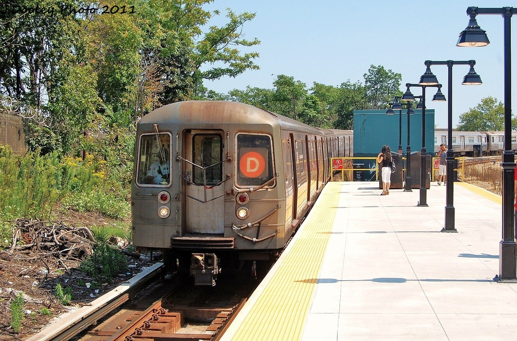 (437k, 1024x677)<br><b>Country:</b> United States<br><b>City:</b> New York<br><b>System:</b> New York City Transit<br><b>Line:</b> BMT West End Line<br><b>Location:</b> 9th Avenue <br><b>Route:</b> D<br><b>Car:</b> R-68 (Westinghouse-Amrail, 1986-1988)  2612 <br><b>Photo by:</b> John Dooley<br><b>Date:</b> 8/17/2011<br><b>Viewed (this week/total):</b> 0 / 923